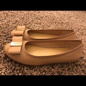 kate spade Shoes - Cream-colored Kate Spade flats WORN ONCE! Size 6